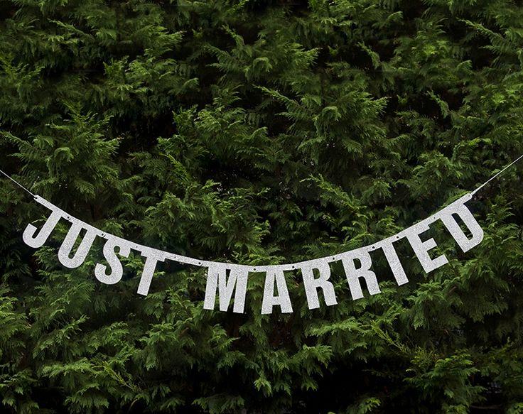 Hochzeitsdeko - Girlande Hochzeit - Just Married: Hochzeitsdeko - ein Designerstück von weddiyco bei DaWanda
