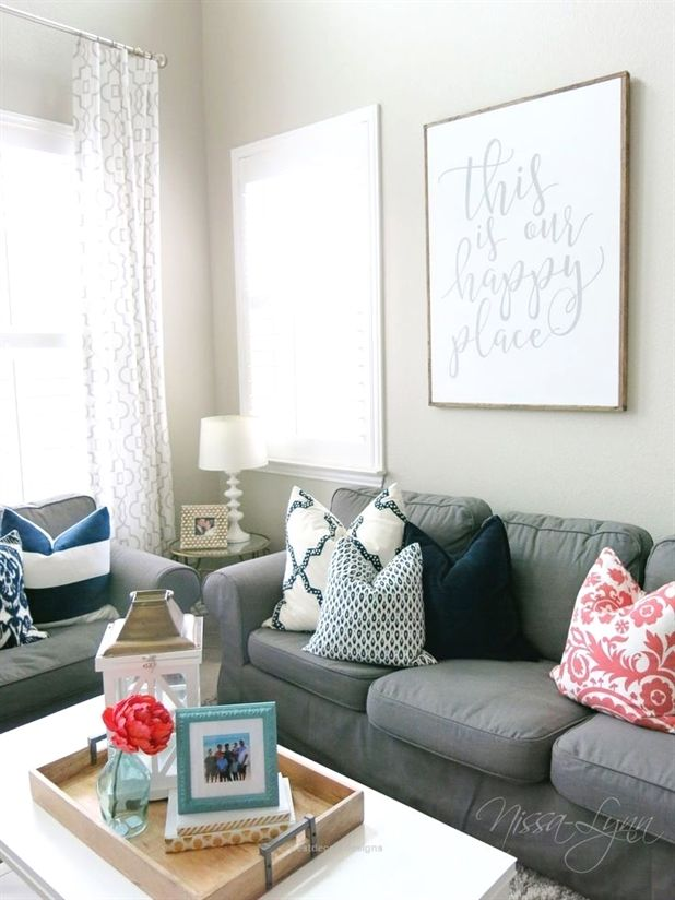 Greige Navy And Coral Living Room 1000 Ideas About Coral Living Rooms On Pint Aqua Living Room Aqua Living Room Decor Coral Living Rooms