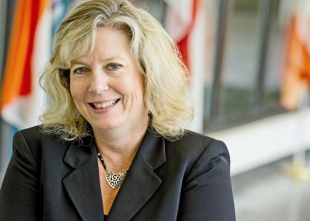 Inforum index: Women's leadership roles are still lacking - For women, a decade deferred About four years ago, while looking at Kelly Services Inc.'s management structure, Deb Thorpe and another female colleague working at the staffing company noticed the lack of women among Kelly's top management.