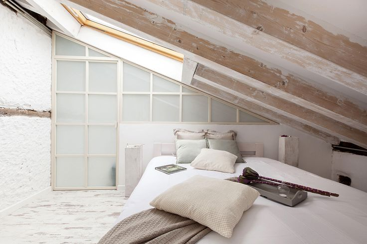 oltre 25 fantastiche idee su soffitta mansarda su. Black Bedroom Furniture Sets. Home Design Ideas