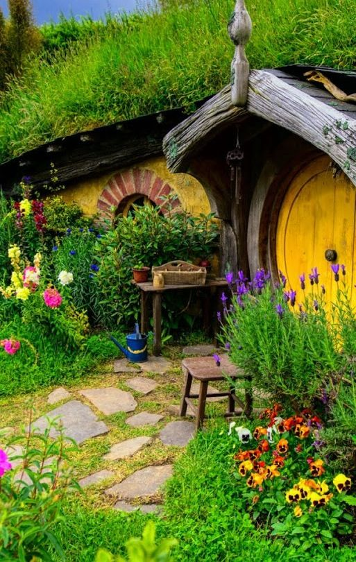 Best 25+ Hobbit home ideas on Pinterest | Hobbit hole, Hobbit houses and  Hobbit