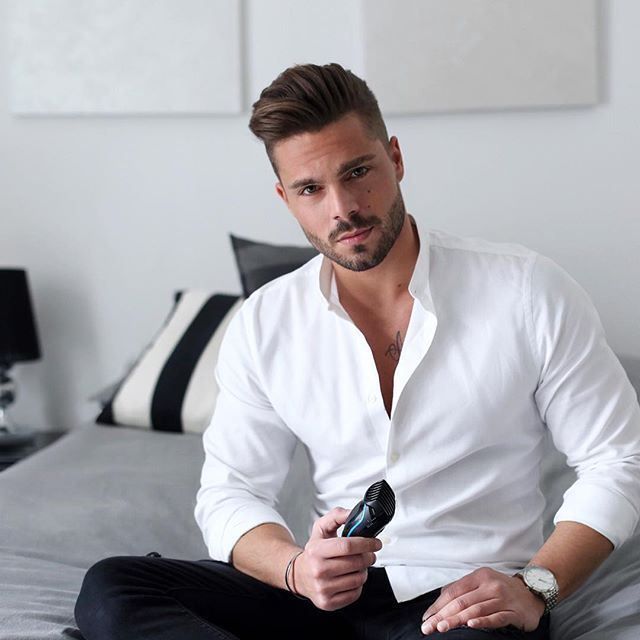 Black trousers, white shirt and to finish my look off a perfect beard!  I trim my beard at 5mm leaving my moustache longer!  Simple look for a perfect finish!    #LetYourStyleOut  #BraunBeauty  #SponsoredByBraun