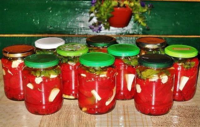 Bunătăţi din bucătăria Gicuței: Gogoşari in oţet (la rece)