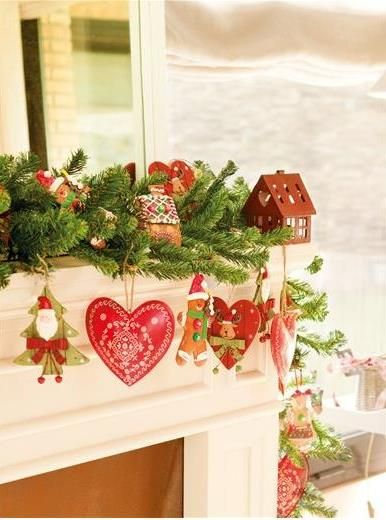 Inturage Classic Christmas Home Decoration 2