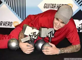 It's been a couple years Justin Bieber bags 5 awards at MTV EMA Duran Duran makes history.     It been a while since Bieber took home an award and he didn't disappoint at the 2015 MTV Europe Music Awards.  The Canadian born singer dominated the winner list as he bagged 5 awards at the event which held on Sunday October 25 in Milan's Mediolanum Forum Italy.  He took home the Best Male Best Collaboration Best Fan Base North America's Worldwide act and Best Look.  Other big winners was show…