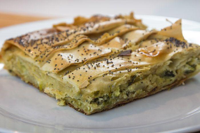 Πρασοκολοκυθόπιτα με μανούρι - Μια συνταγή για πίτα με κολοκύθια, πράσο, μανούρι και μυρωδικά που δίνει νέα διάσταση γεύσης στη κλασσική πρασοκολοκυθόπιτα