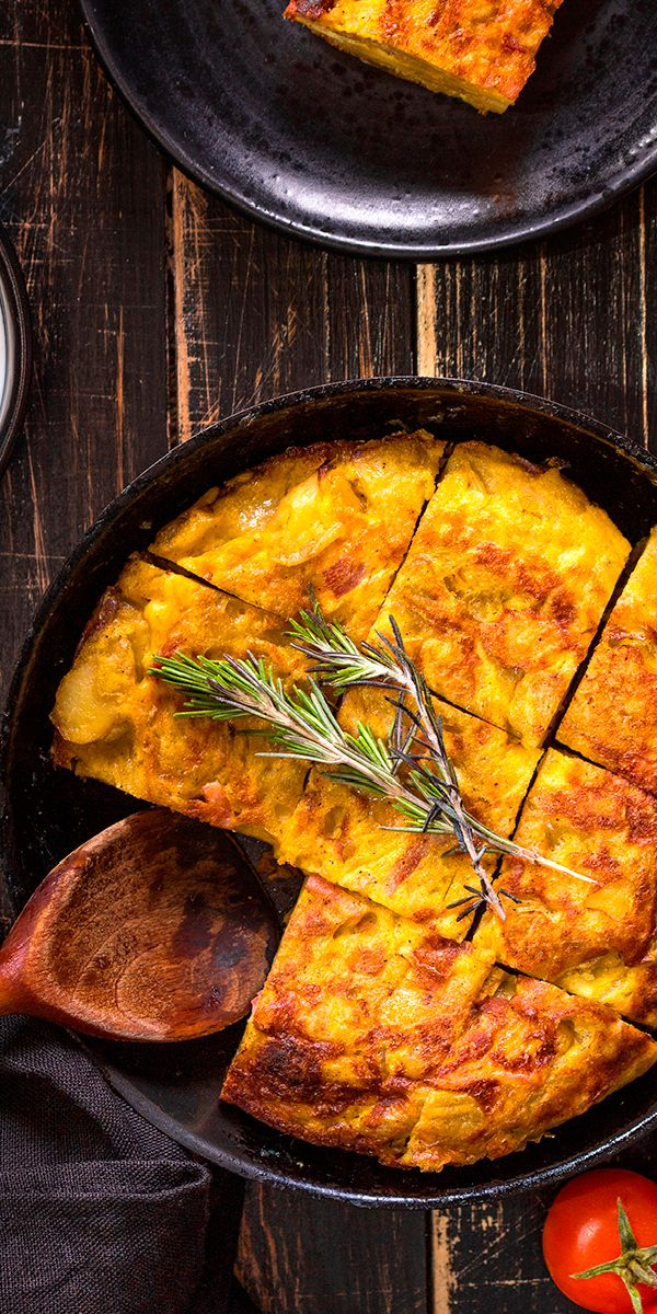 Have you ever tried Spanish omelette? Save this pin and tell us how was your experience!