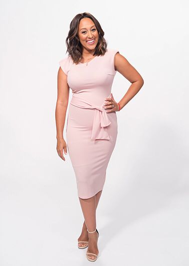 """Tamera Mowry """"The Real"""" Pink Outfit"""