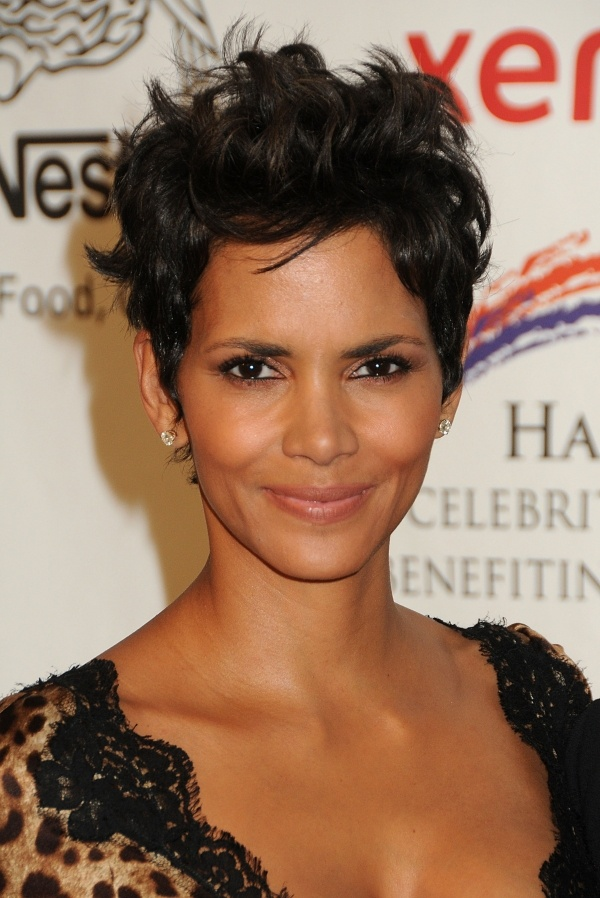 halle berry hair styles 66 best hair don t care images on hair 4084