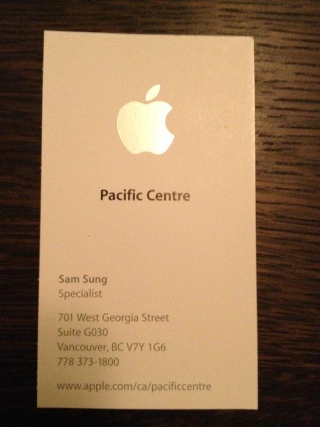 Aqui 1 funcionário da Apple chamado Sam Sung – verdade, o nome dele está no cartao http://www.bluebus.com.br/aqui-1-funcionario-da-apple-chamado-sam-sung-verdade-o-nome-dele-esta-no-cartao/