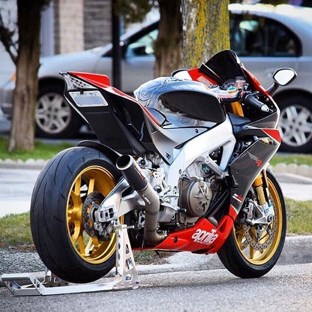 Motorcycles, bikers and more — Aprilia RSV4