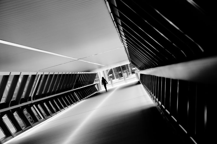Canary Wharf walkway - jbarry5 - This walkway near One Canada Square just outside the Canary Wharf Station has become something of a must-see for London photographers interested in architecture.  While I didn't see anyone else shooting the weeke... http://ift.tt/2dJkvj5 IFtemppicpinned in Building blocksdownld in ios #October 12 2016 at 10:09PM#via IF