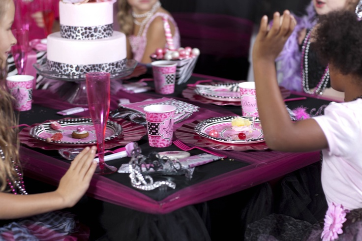 43 best images about diva zebra print party ideas on for Animal print party decoration ideas