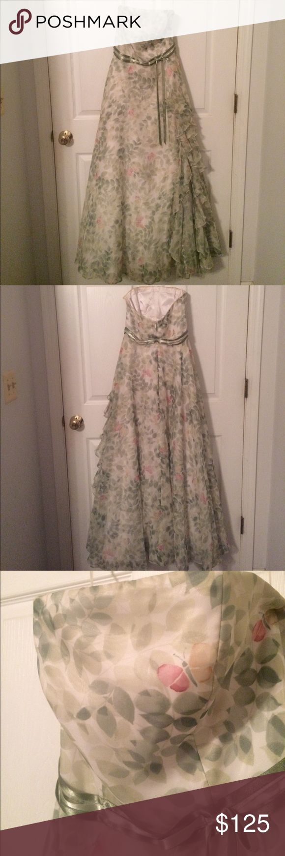 Adorable green leaf patterned tube top dress Light green leaf print dress with sweet butterflies scattered about. Tube top. Green ribbon across. Worn to one prom. Jovani Dresses