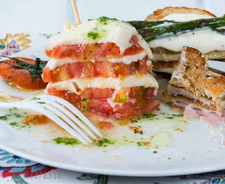 http://lacocinadefrabisa.lavozdegalicia.es/timbal-de-tomate-y-sandwich-de-mozarella/