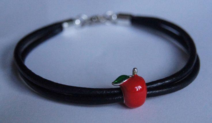 bracelet with apples on a black thong  bransoletka z jabłuszkiem na czarnych rzemyki