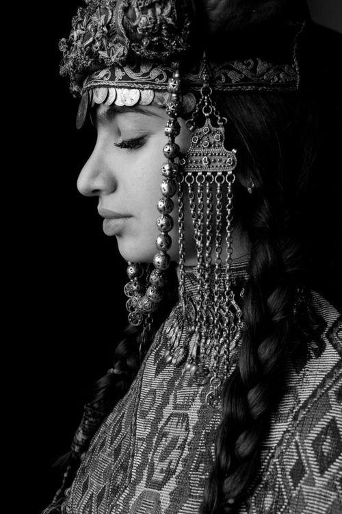 Armenian women intraditional clothes. Caucasian mountains.