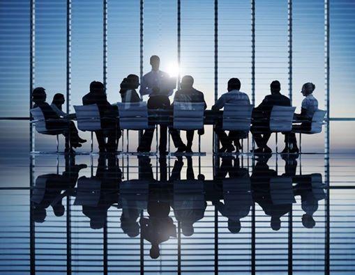 Dupa parerea RDVEC, Project Managementul este cea mai eficienta modalitate de abordare a schimbarilor.  Si daca alegem PM, alegem RDVEC. PM RDVEC ajuta la o abordare rationala a schimbarilor, mai ales in contextul actual, in care suntem nevoiti sa luam decizii radicale de business. Pentru asta avem nevoie de fundamentari riguroase si cat mai complete pentru argumentarea deciziilor. RDVEC va este alaturi cu o echipa de profesionisti in domeniu.