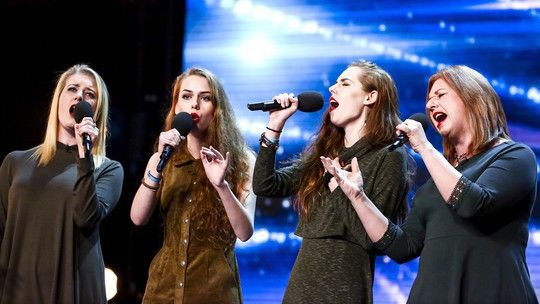 The Garnett Family mesmerise the Judges