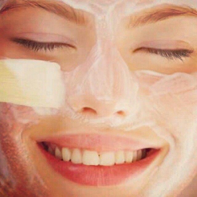 Unite Farina di ceci biologica, succo di limone e cannella... Cosa ottenete? Una maschera di bellezza tutta naturale!   #skincare #beauty #care