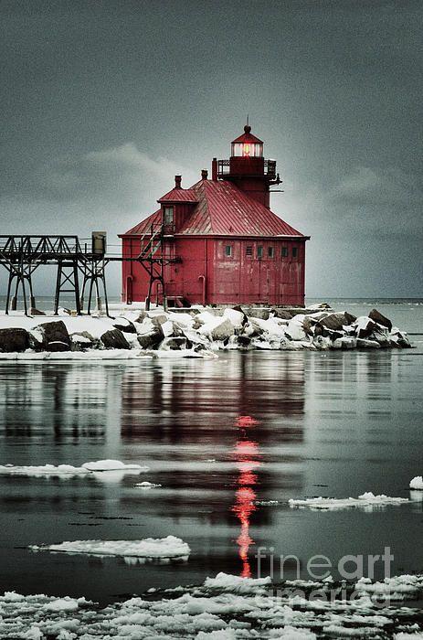 Sturgeon Bay Canal North Pierhead Lighthouse - Sturgeon Bay Ship Canal, Lake Michigan