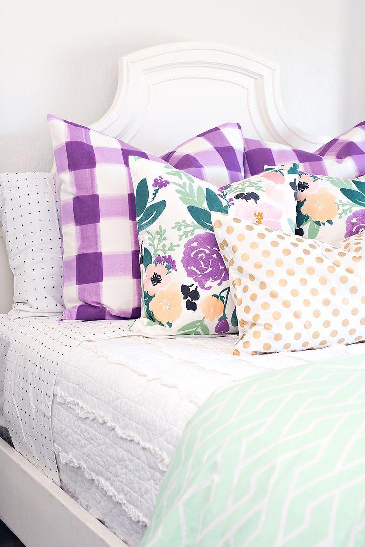girls bedroom, bedding/pillow mix, lavender + mint