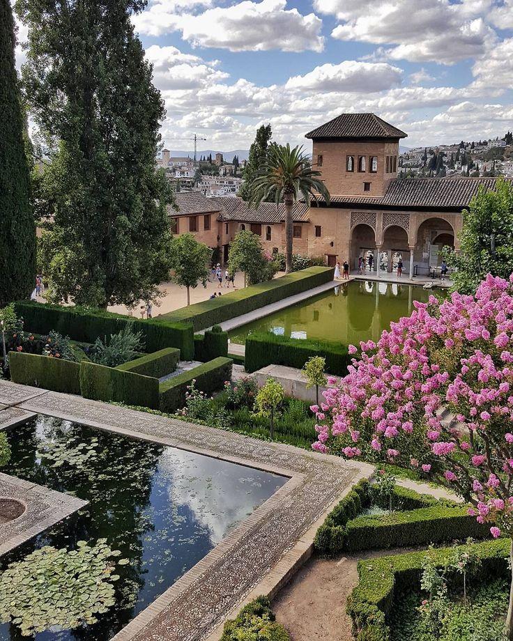 """557 Me gusta, 35 comentarios - Vero Palazzo (@veropalazzo) en Instagram: """"No hay palabras para describir a la Alhambra 💕💕💕 (bis) . (Hay muchas más 📸 en stories ) . .…"""""""