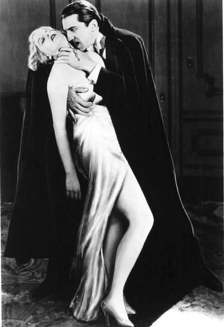 Bela Lugosi as Dracula and Frances Dade as Lucy in Dracula c. 1931
