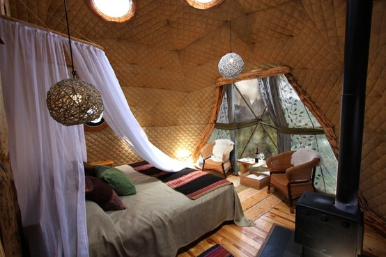 Suite Domes are comfortable 28m²/ 300 ft² Geodesic domes built in the same shape as the ancient Kaweskar tribe dwellings. Their structure produces minimal environmental impact while providing an efficient thermal and wind resistant unit, with great exposure to nature in the most magnificent Patagonian setting. Guests can gaze at the stars through the ceiling windows while falling asleep each night, after enjoying a spectacular sunset from their private terrace.