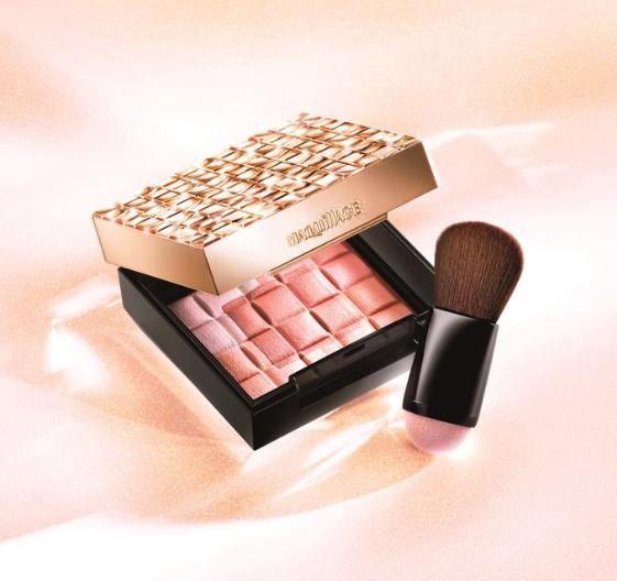 Shiseido Maquillage Dramatic Mood  2015