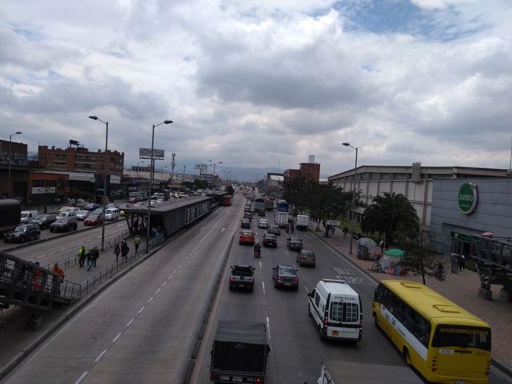Movilidad en la carrera 30 NQS de Bogotá.
