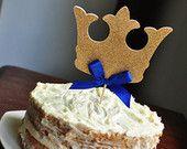 Adorno de torta de corona de rey.  Hechos a mano en 2-3 días hábiles.  Real, el príncipe Baby Shower decoraciones.
