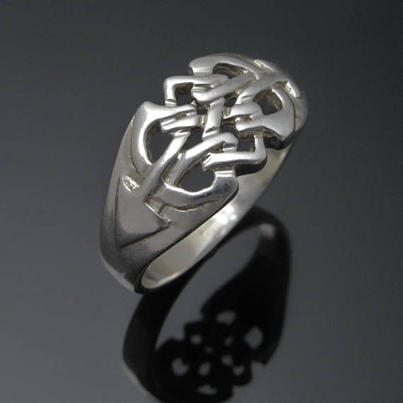 ON SALE  Celtic Knot Ring  Sterling Silver Celtic Knot Ring