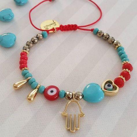 We started with the new bracelet designs !!. This beautiful bracelet with turquoise heart and accessories with 18k gold filled and natural luxury hematites ! Empezamos con los nuevos diseños de pulseras !!. Esta bella pulsera con corazon de Turquesa y accesorios con baño de oro de 18k y hematites naturales! #bracelets#news#hamsahand#pulseras#handmadejewelry#love#designs#newcollection