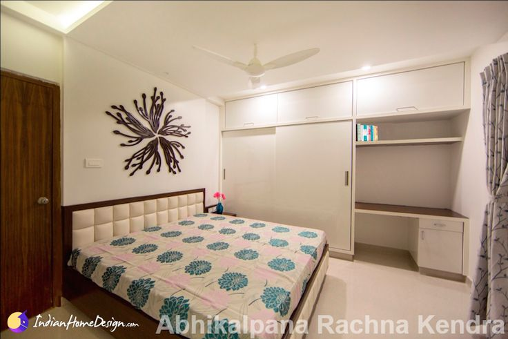 Childrens bedroom with study table Design by Abhikalpana Rachna Kendra