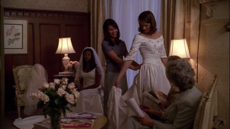 Francie goes to her bride dress fitting alone because Sydney was away in a CIA mission