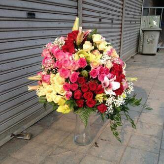 Bunga rangkaian meja mewah