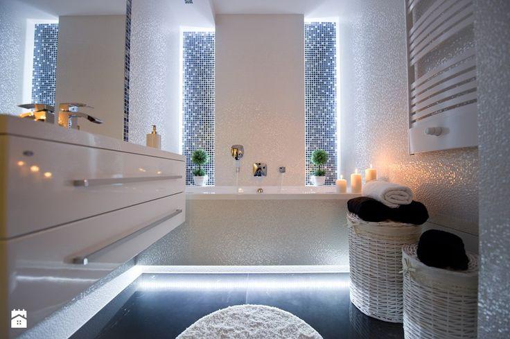 I LOVE WHITE - Średnia łazienka - zdjęcie od LOFT ART Izabela Balbus