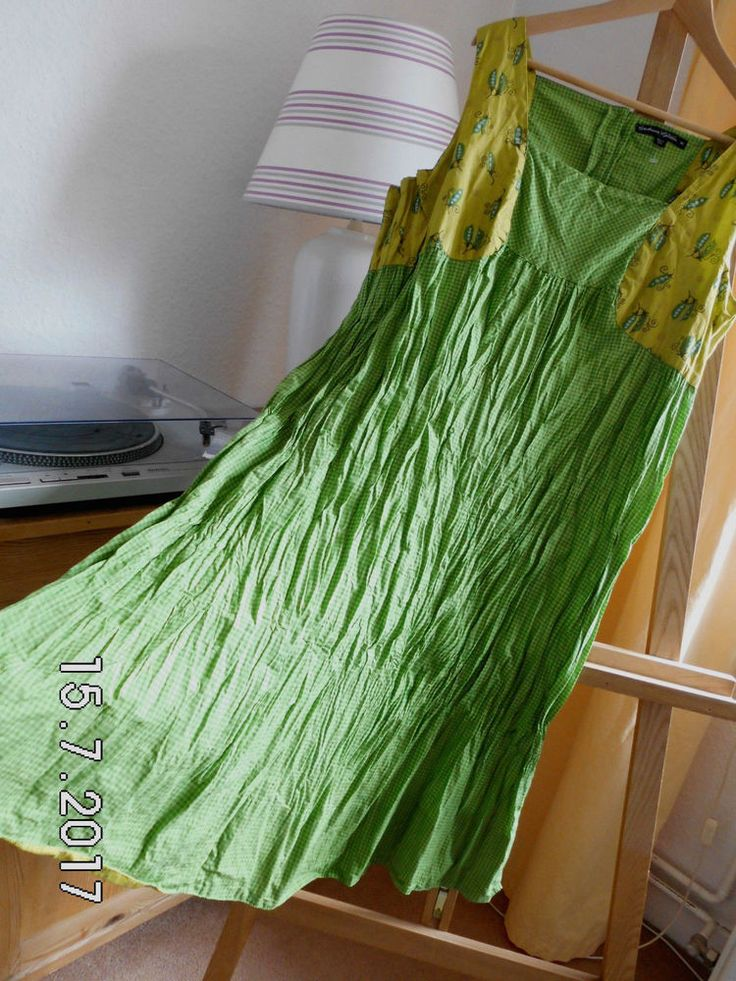 Leider nur 1 mal getragen, da ich leider viel zu viel habe. Am Oberteil mit anderem Stoff gearbeitet, in Kräutergrün mit süßem kleinen Erbsenschoten-Muster. Daher geht auch das Kleid nun weiter. Wunderschönes Gudrun Sjöden Kleid.   eBay!