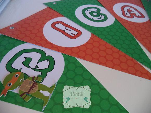 Bandeirola com aplique confeccionada em papel com 220g de gramatura. Valor referente a cada letra do nome da criança. R$ 2,50