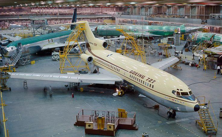 Boeing 727-22 N7001U under restoration at Paine Field, Everett, Washington. (The Museum of Flight)