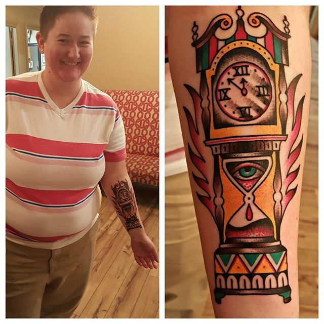 Traditional grandfather clock today by Amelia! Book her at our Tempe studio or book online at clubtattoo.com! #tradionaltattoo #clocktattoo #tempetattoos #tempeaz #clubtattoo #clubtattootempe #traditionalstyle #colorful #americantraditional #tempetattooartist #tattooing #tattooersofarizona #femaletattooartist #inked #inkspired #inkspiredmagazine