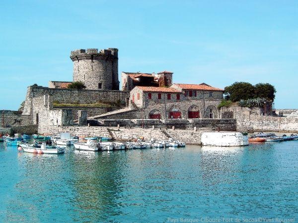 Pays Basque-Ciboure-Fort de Socoa © Yves Roussel