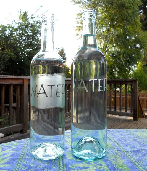 Love the look of these wine bottles-turned water bottles!Ideas, Water Pitcher, Green Crafts, Recycle Wine Bottle, Recycle Crafts, Wine Bottles, Waterbottle, Water Bottles, Old Wine Bottle