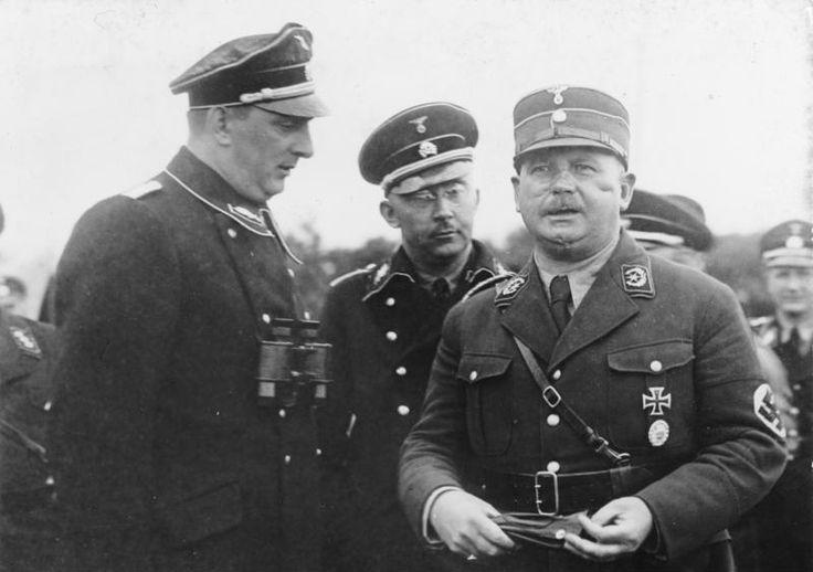 Nacht van de Lange Messen. In de Nacht van de Lange Messen (30 juni 1934) werd de hele top van de SA, het partijleger van de Duitse Nazi-partij NSDAP, vermoord door de SS van Heinrich Himmler. Dit onder verschillende voorwendselen: het zouden homo's zijn, of men zou samengezworen hebben tegen Adolf Hitler. SA-leider Ernst Rohm was inderdaad homoseksueel, maar in feite ging het om het tijdig uitschakelen van een potentiële rivaal.