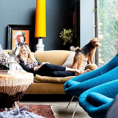 lamp: London Home, Living Rooms, Dogs, Abigailahern, Chic Home, Chairs, Color, Yellow Lamps, Abigail Ahern