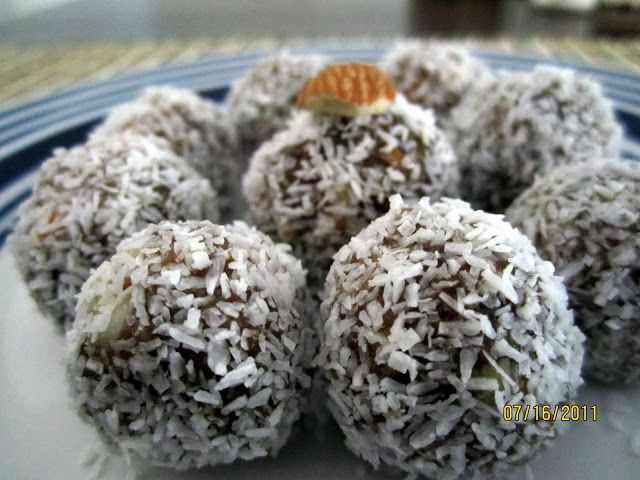 Dates almond ladoo & coconut ladoo