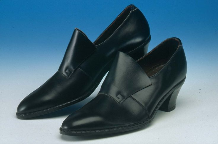 Mens' Leather Shoes Pair of black leather 'Beatle' style shoes ...