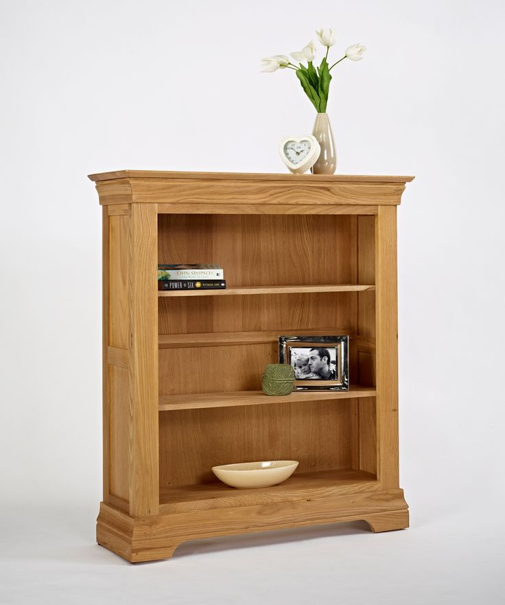 Bordeaux Oak Small Bookcase Bordeaux Oak is a French style range crafted from carefully chosen solid oak, with elegant detailing investing each piece with a sophisticated elegance. With a stylish metal handles accentuating each  http://www.MightGet.com/january-2017-13/bordeaux-oak-small-bookcase.asp
