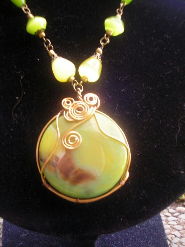 BrownishYellow Stone Wired Necklace